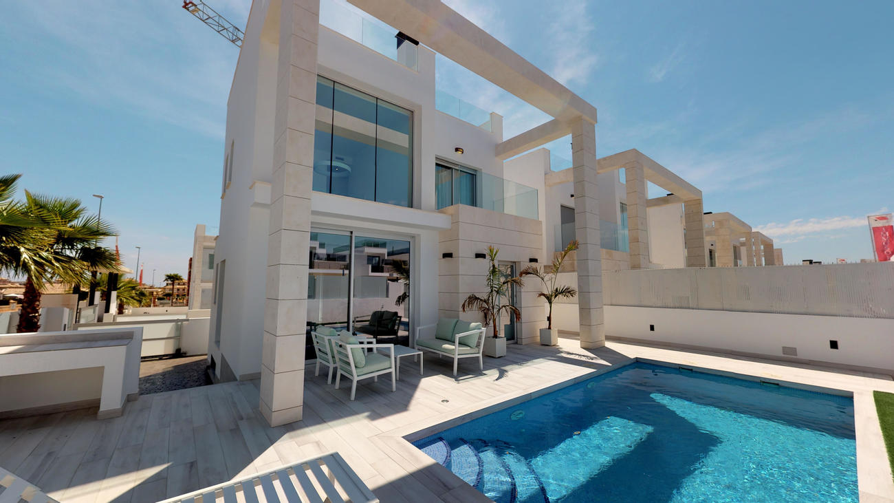 Ref:EAC1000016 Villa For Sale in Cabo Roig
